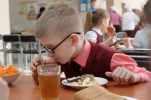 В РФ будут разработаны нормы питания школьников с диабетом