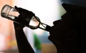 Роспотребнадзор сообщил о снижении смертности от алкоголя